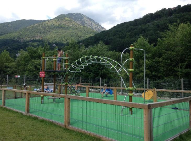 camping dans les Alptes-Maritimes avec aire de jeux