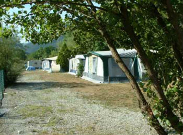 Caravane camping les templiers mercantour alpes maritimes for Camping mercantour piscine